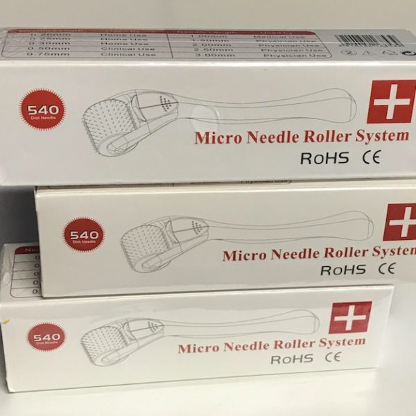 Microneedle roller